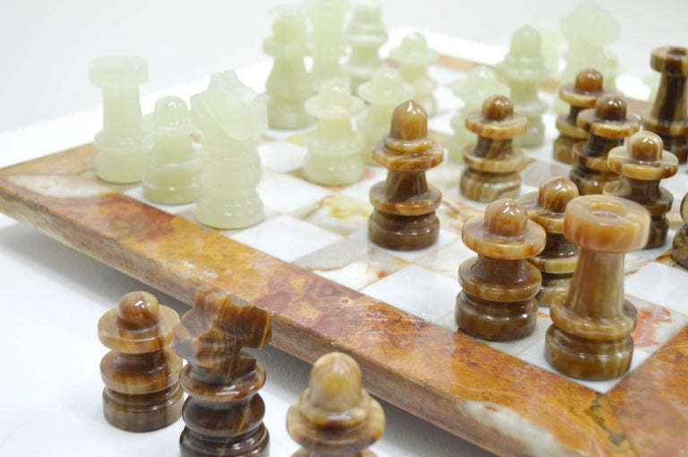 Mid-Century Modern Luxury Italian Alabaster and Marble Chess, circa 1970 For Sale