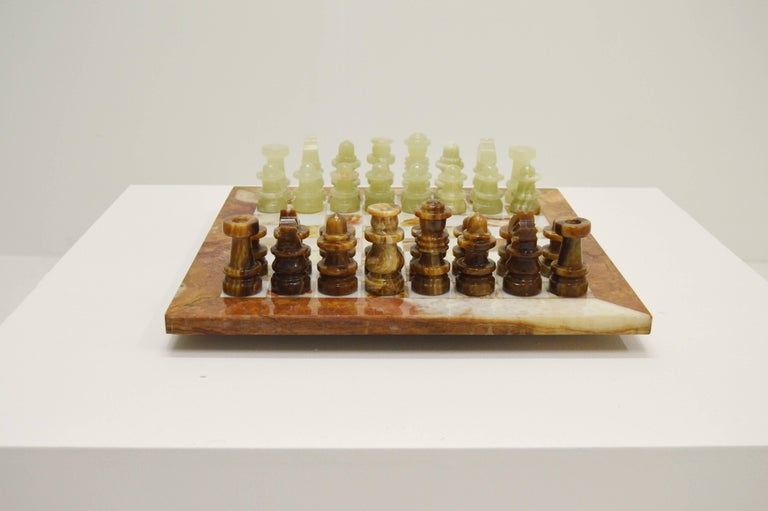20th Century Luxury Italian Alabaster and Marble Chess, circa 1970 For Sale