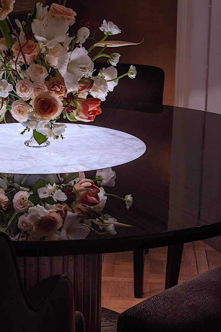 Luxury Round Dining or Conference Table with Quartz Insert, Customizable For Sale 3