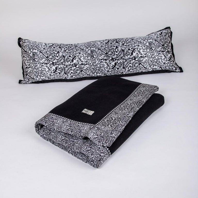 Merino Black King Size Blanket with Grey Print Border by JG SWITZER For Sale 1
