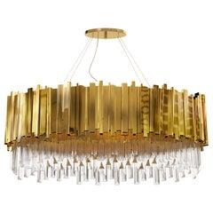 Luxxu Empire Oval Pendelleuchte in Messing mit Kristallglas-Details