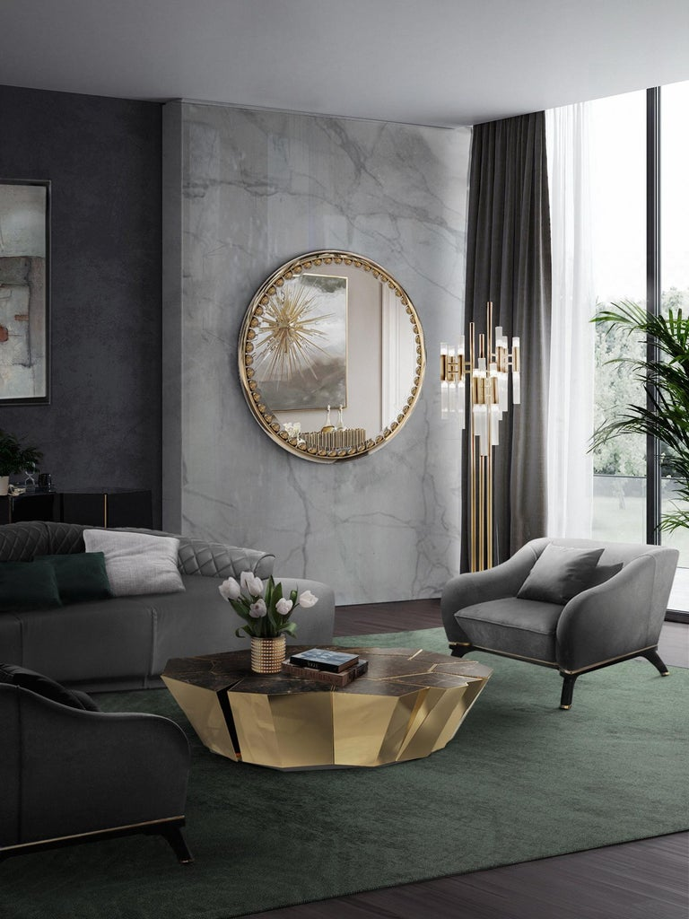 The Orbis mirror was inspired by ancient times in history, adopting the same simplicity of the golden era. Creates an atmosphere of irresistible exposure and exclusivity, this creation aims to total immersion in sumptuously glamorous interiors and