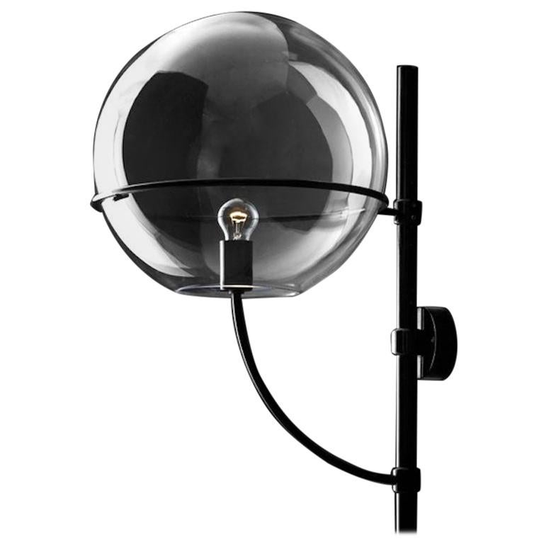 Lyndon 160 Outdoor Wall Light by Vico Magistretti for Oluce For Sale