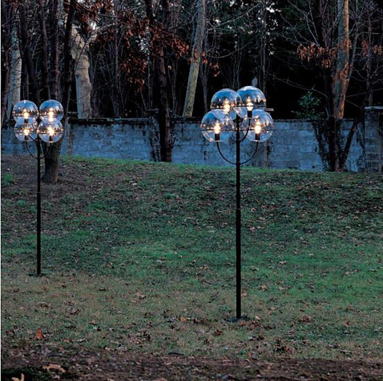 Lacquered Lyndon 350 Outdoor Lamp by Vico Magistretti for Oluce For Sale
