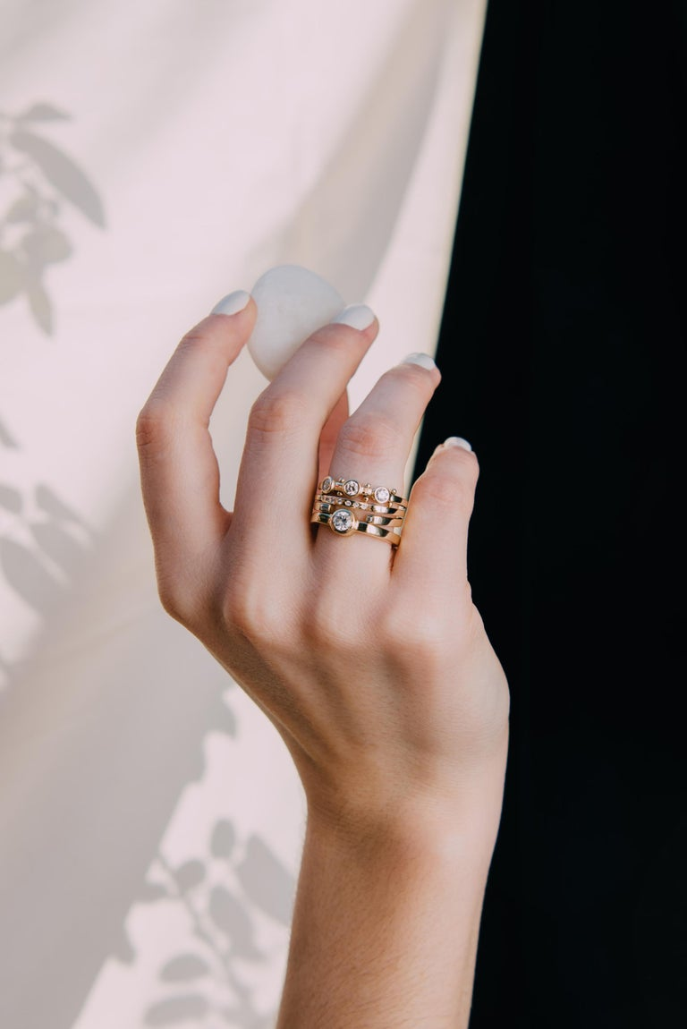 Women's or Men's M. Hisae 0.25ct White Diamond 14k Yellow Gold Modernist Engagement Ring For Sale