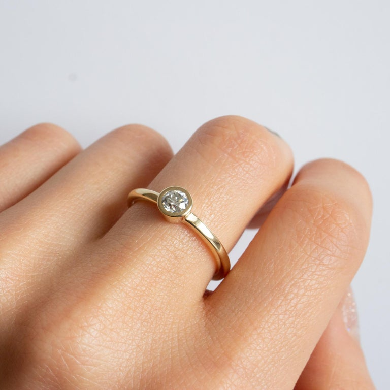 Contemporary M. Hisae 0.25ct White Diamond Engagement Ring For Sale