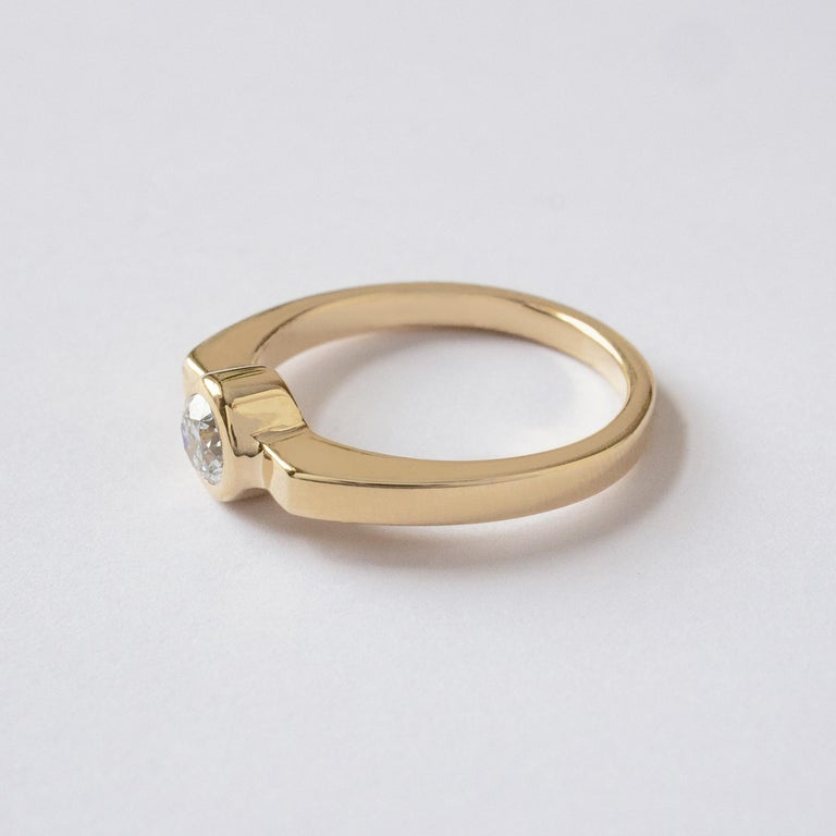 Contemporary M. Hisae 0.25ct White Diamond 14k Yellow Gold Modernist Engagement Ring For Sale
