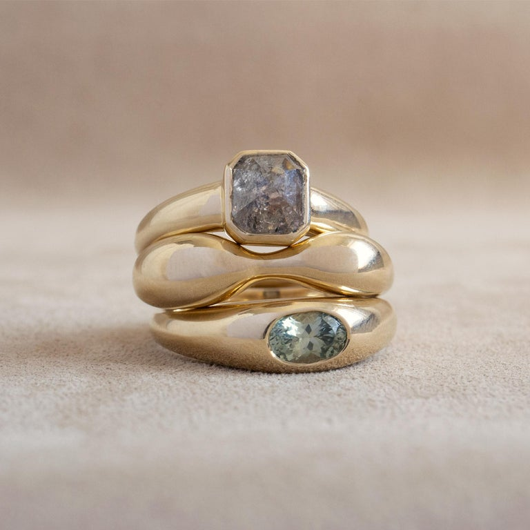 Contemporary M. Hisae Green Sapphire Oval Signet Ring For Sale