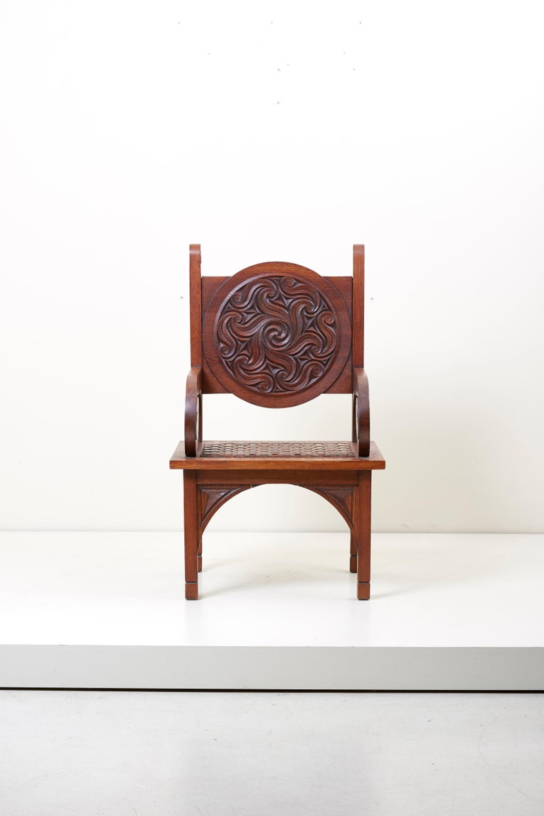 Exceptional 1930s armchair by one of the members of the Seiz Breur artistic group by the Rennes carpenter Jacques Philippe (1896-1958), whose Brittany museum in Rennes and the departmental Breton museum of Quimper have several works. The chairs has