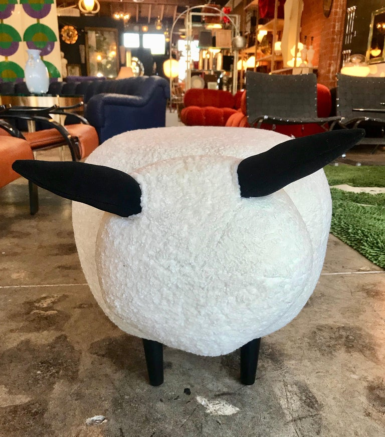 Ma39 Pouf in Carved Wood Sheep, Italy, 21st Century In New Condition For Sale In Los Angeles, CA