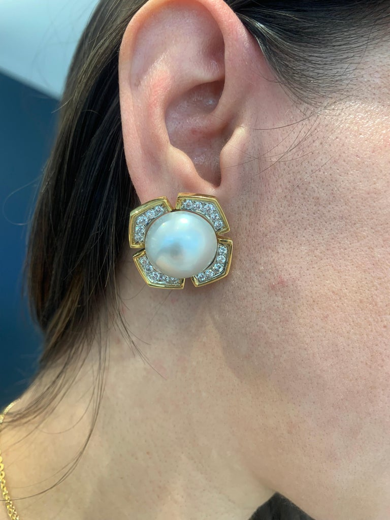 Mabe' Pearl Diamond Yellow Gold Earrings For Sale 1