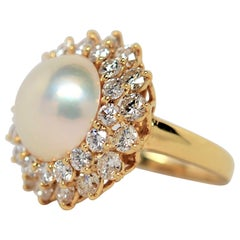 Mabé Pearl & Round Brilliant Cut Diamond Ring Set in 18K Yellow Gold, 2.73ct
