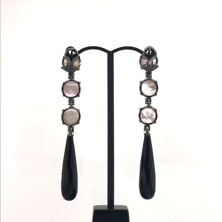Mabe South Sea Pearls, Diamonds with Agate on Black Gold 18k Chandelier Earring In New Condition For Sale In Vannes, FR