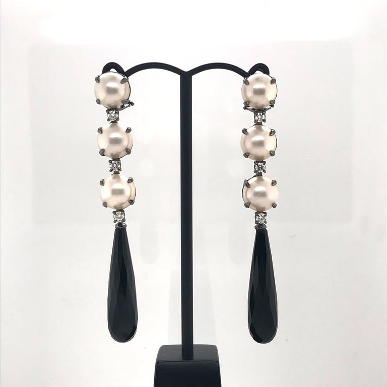 Mabe South Sea Pearls, Diamonds with Agate on Black Gold 18k Chandelier Earring For Sale 1