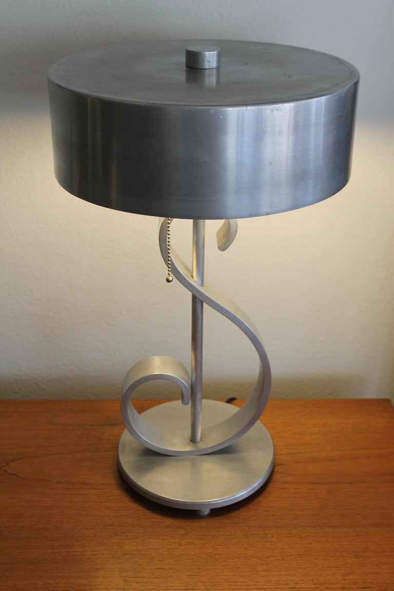 Mid-Century Modern Machine Age Aluminum Musical Note Table Lamp For Sale