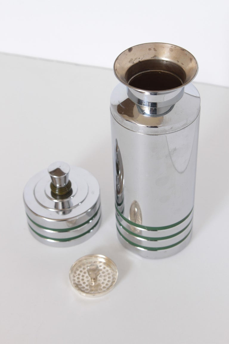 Machine Age Art Deco Chase Gaiety Cocktail Shaker in Rare Green Catalin For Sale 3