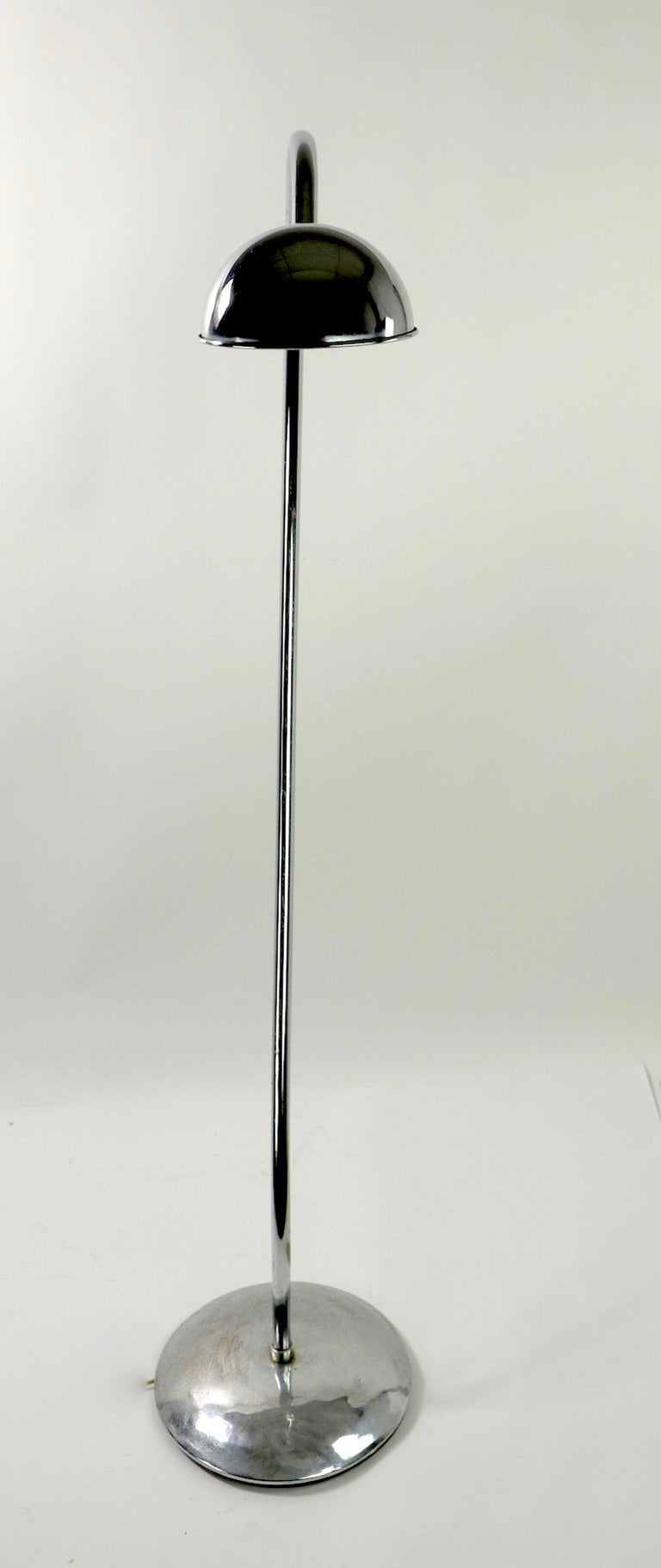 Machine Age Art Deco Chrome Floor Lamp of Exaggerated Curved Form For Sale 6