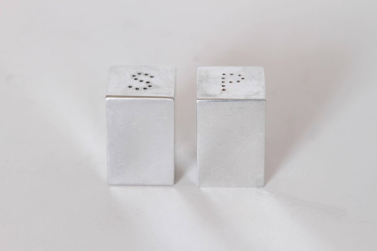 Machine Age Art Deco Iconic Charles Sheeler Salt and Pepper Shaker Design, Pair In Good Condition For Sale In Dallas, TX
