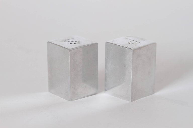 Machine Age Art Deco Iconic Charles Sheeler Salt and Pepper Shaker Design, Pair For Sale 1