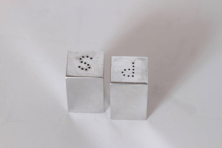 Machine Age Art Deco Iconic Charles Sheeler Salt and Pepper Shaker Design, Pair For Sale 2