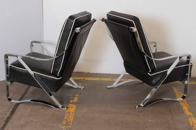 Machine Age Art Deco McKay Craft Streamline Pair of Cantilevered Lounge Chairs In Good Condition For Sale In Dallas, TX