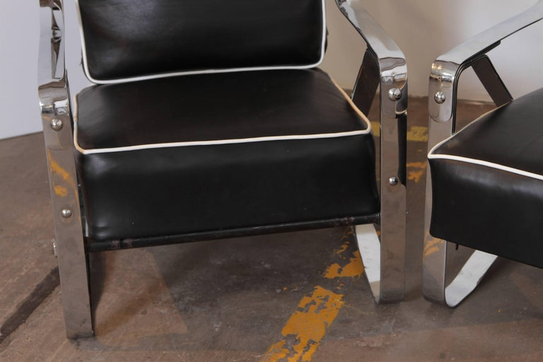 Leather Machine Age Art Deco McKay Craft Streamline Pair of Cantilevered Lounge Chairs For Sale