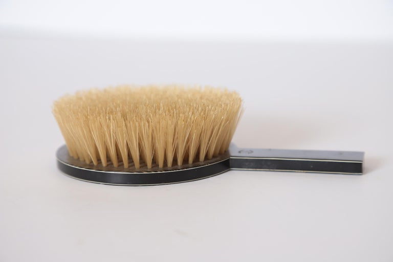 Machine Age Art Deco Paul Frankl Streamline Celluloid Rond Vanity Brush For Sale 4