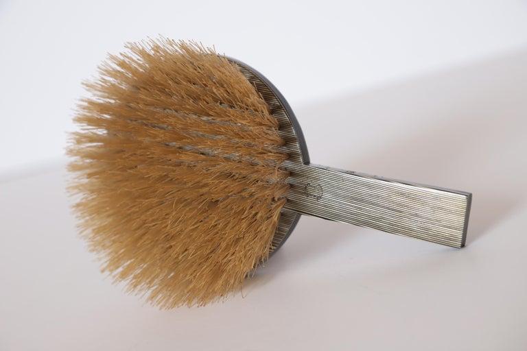 Machine Age Art Deco Paul Frankl Streamline Celluloid Rond Vanity Brush For Sale 5