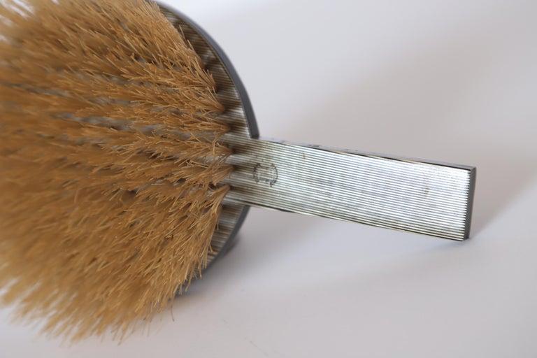 Machine Age Art Deco Paul Frankl Streamline Celluloid Rond Vanity Brush For Sale 7