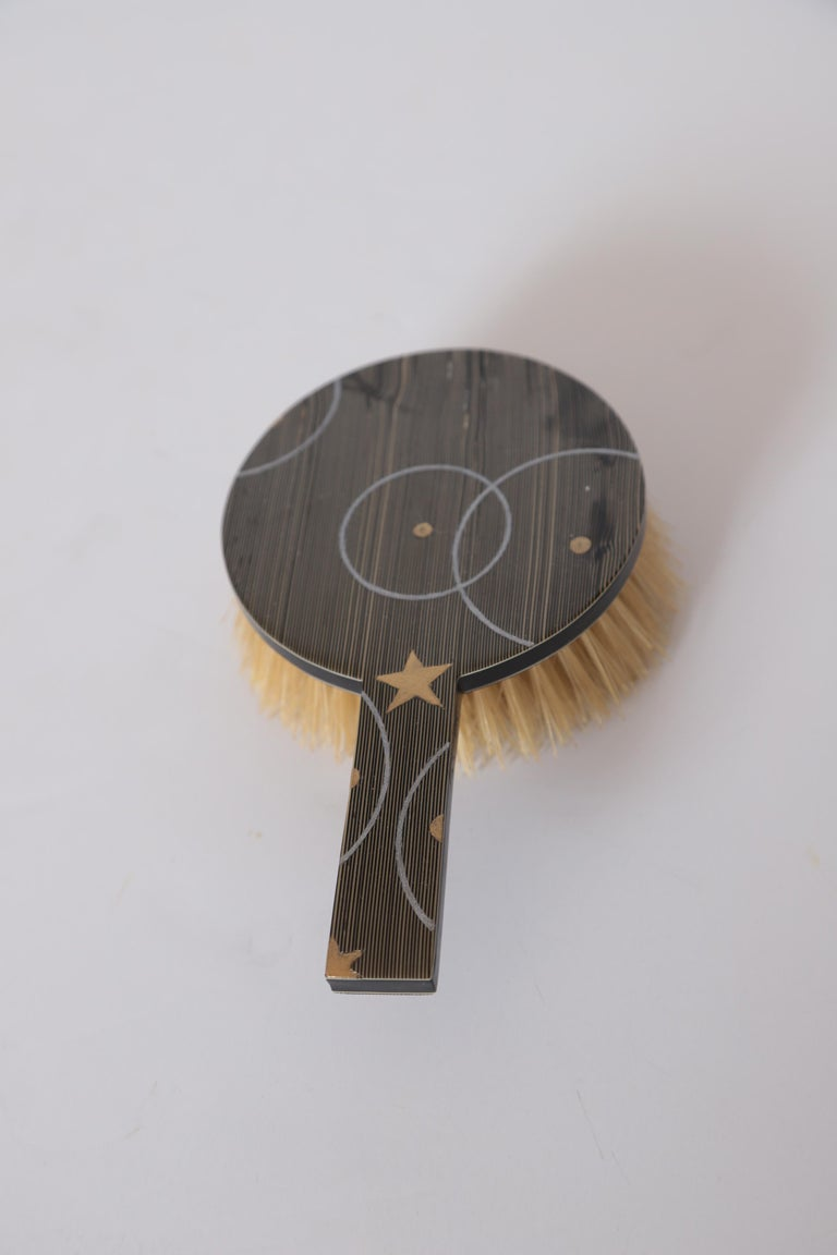 American Machine Age Art Deco Paul Frankl Streamline Celluloid Rond Vanity Brush For Sale