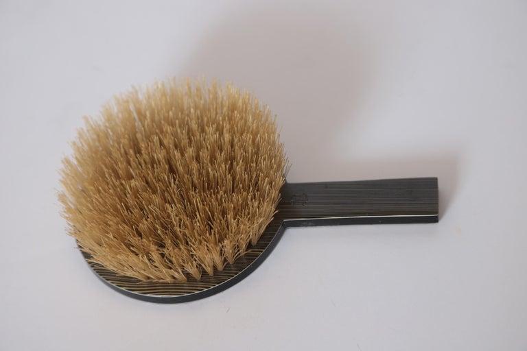 Machine Age Art Deco Paul Frankl Streamline Celluloid Rond Vanity Brush For Sale 3