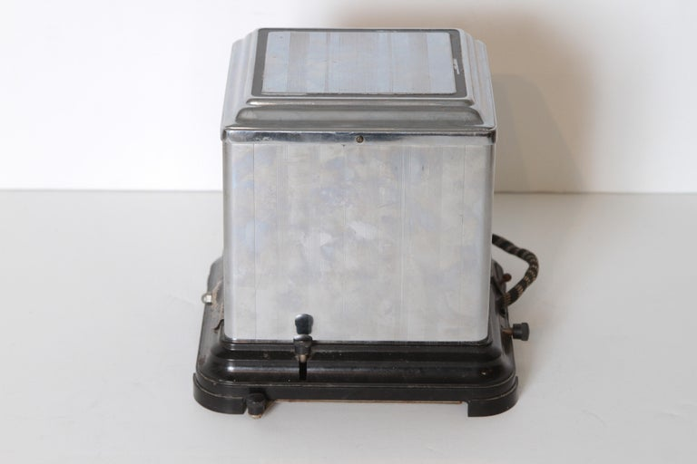 Machine Age Art Deco Skyscraper Belle Kogan Toaster, Chrome and Bakelite, Rare For Sale 1
