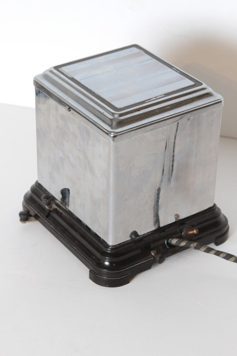 Machine Age Art Deco Skyscraper Belle Kogan Toaster, Chrome and Bakelite, Rare For Sale 3