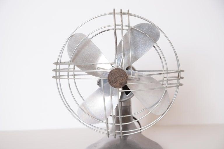 Machine Age Art Deco Streamline Aluminum Zephyr Airkooler Goose-Neck Fan In Good Condition For Sale In Dallas, TX
