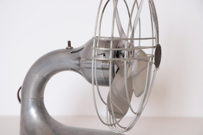 Machine Age Art Deco Streamline Aluminum Zephyr Airkooler Goose-Neck Fan For Sale 2