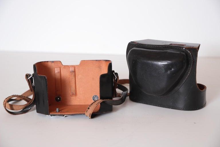Machine Age Art Deco Walter Dorwin Teague Kodak Medalist Camera with Case For Sale 5