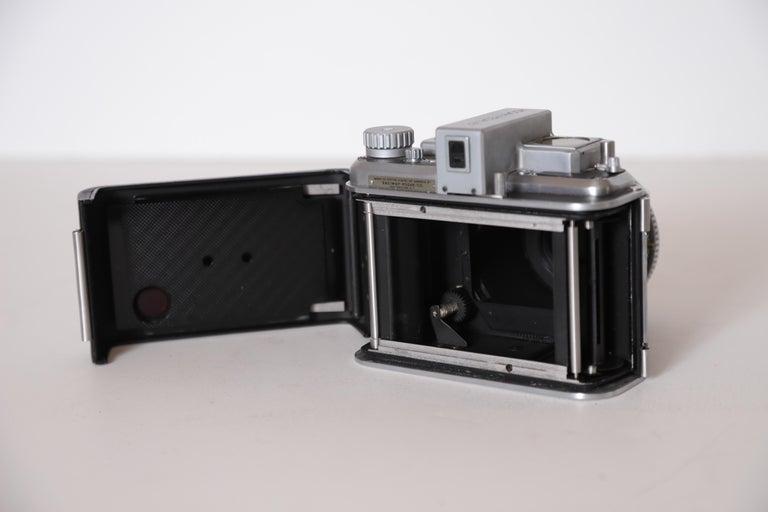 Machine Age Art Deco Walter Dorwin Teague Kodak Medalist Camera with Case For Sale 10