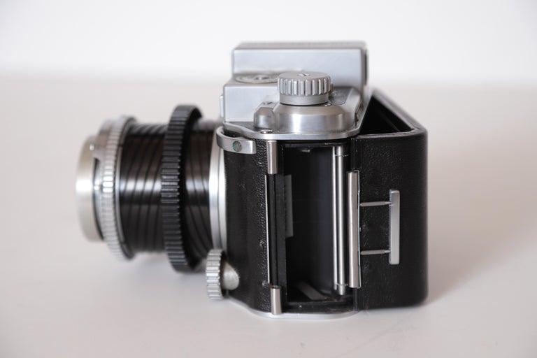Machine Age Art Deco Walter Dorwin Teague Kodak Medalist Camera with Case For Sale 13