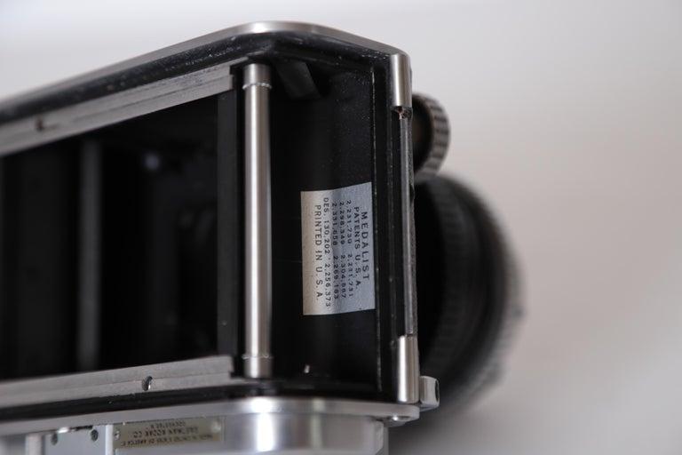 Machine Age Art Deco Walter Dorwin Teague Kodak Medalist Camera with Case For Sale 14