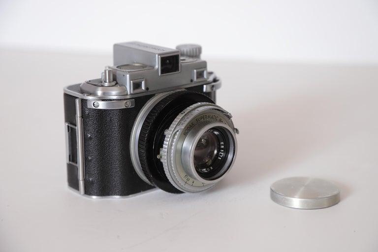 Machine Age Art Deco Walter Dorwin Teague Kodak Medalist Camera with Case For Sale 2