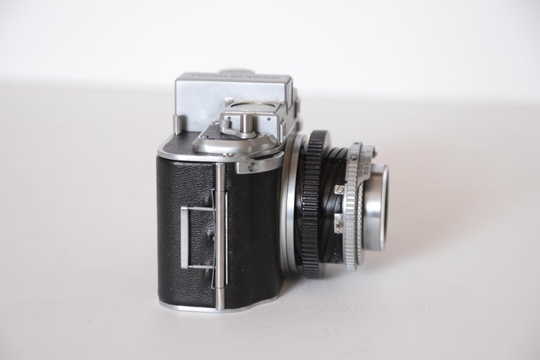 Machine Age Art Deco Walter Dorwin Teague Kodak Medalist Camera with Case For Sale 3