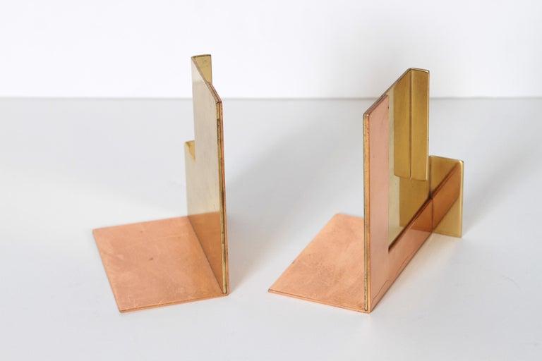 Machine Age Art Deco Walter Von Nessen for Chase Moderne Bookends Copper / Brass In Good Condition For Sale In Dallas, TX