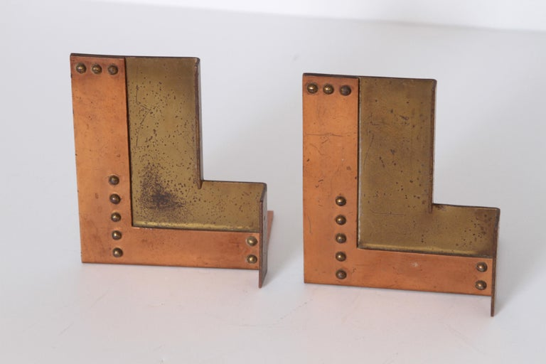 Machine Age Art Deco Walter Von Nessen for Chase Moderne Bookends In Good Condition For Sale In Dallas, TX