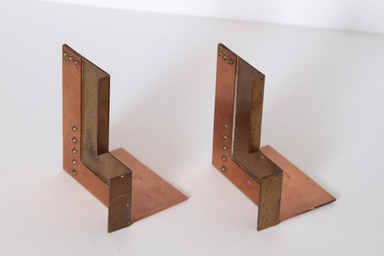 Mid-20th Century Machine Age Art Deco Walter Von Nessen for Chase Moderne Bookends For Sale