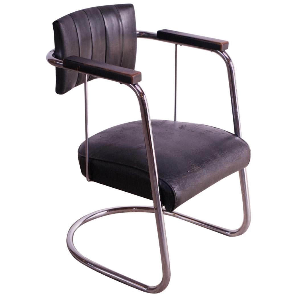 Machine Age Tubular Chrome and Leather Cantilevered Armchair