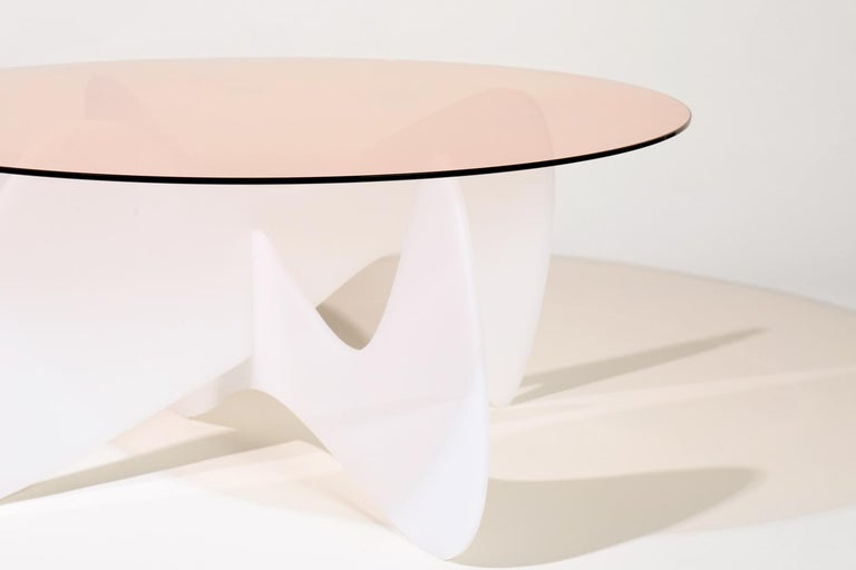 Modern Madeira Coffee Table, Rose Glass / White Varnish For Sale