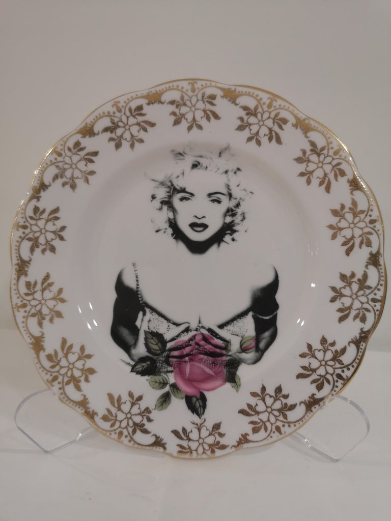 Gray Madonna side plate For Sale