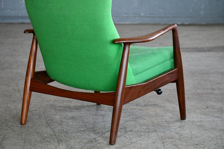 Madsen & Schubell Reclining Teak Lounge Chair with Ottoman, Denmark, circa 1960 For Sale 3