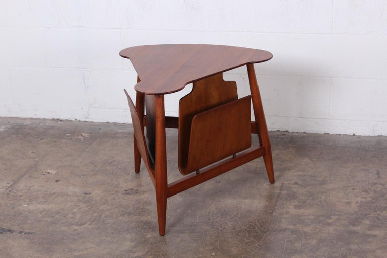 Magazine Table by Edward Wormley for Dunbar In Good Condition For Sale In Dallas, TX