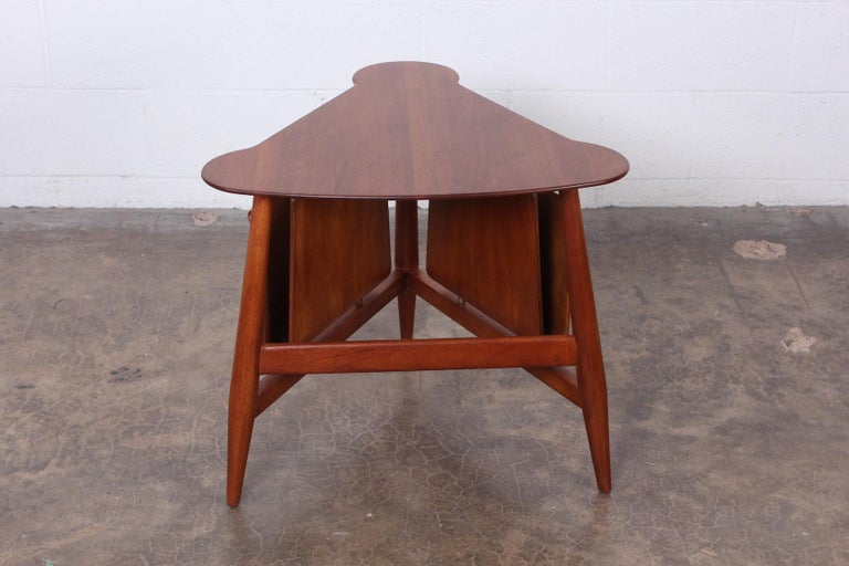 Magazine Table by Edward Wormley for Dunbar For Sale 3